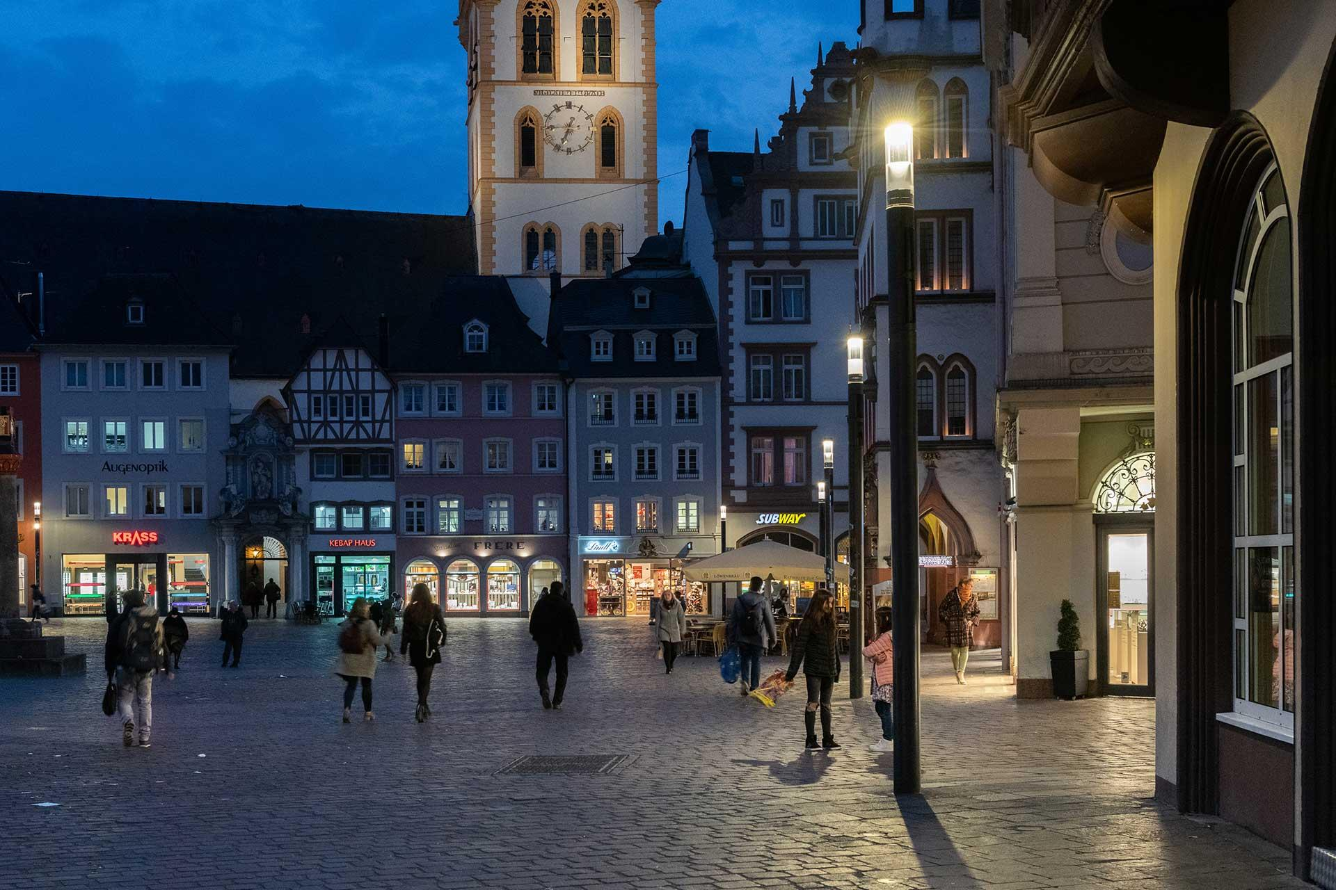 Shuffle delivers a gentle white light for a safe and enjoyable nocturnal experience in Trier